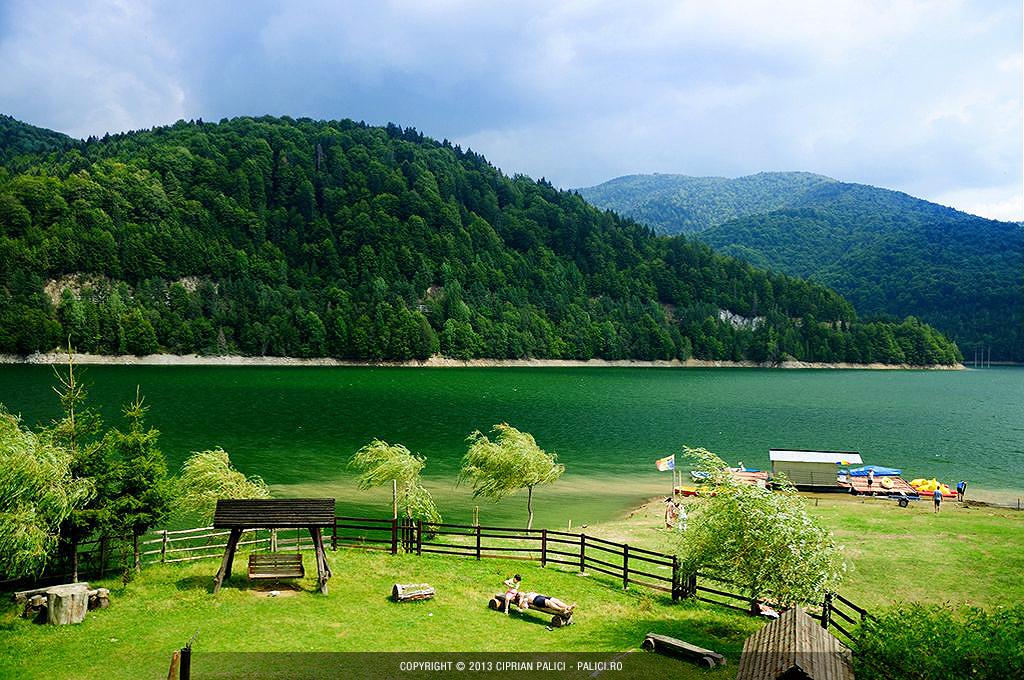 lacul-vidraru-transfagarasan