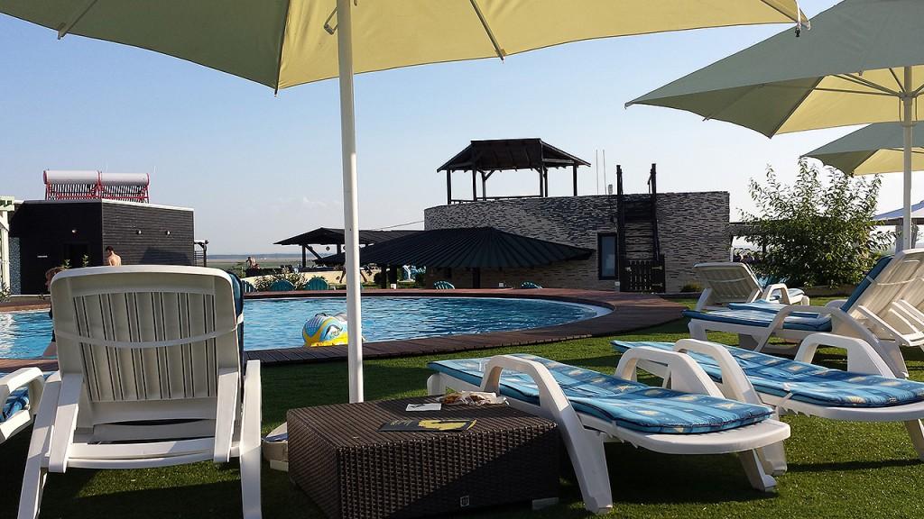 domeniul-greaca-piscina12