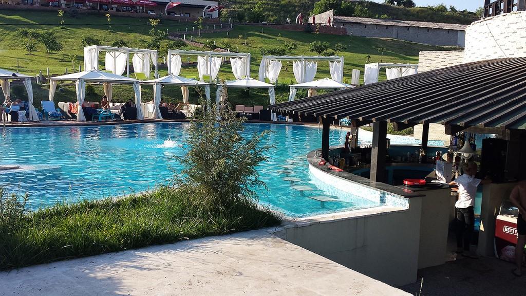 domeniul-greaca-piscina6