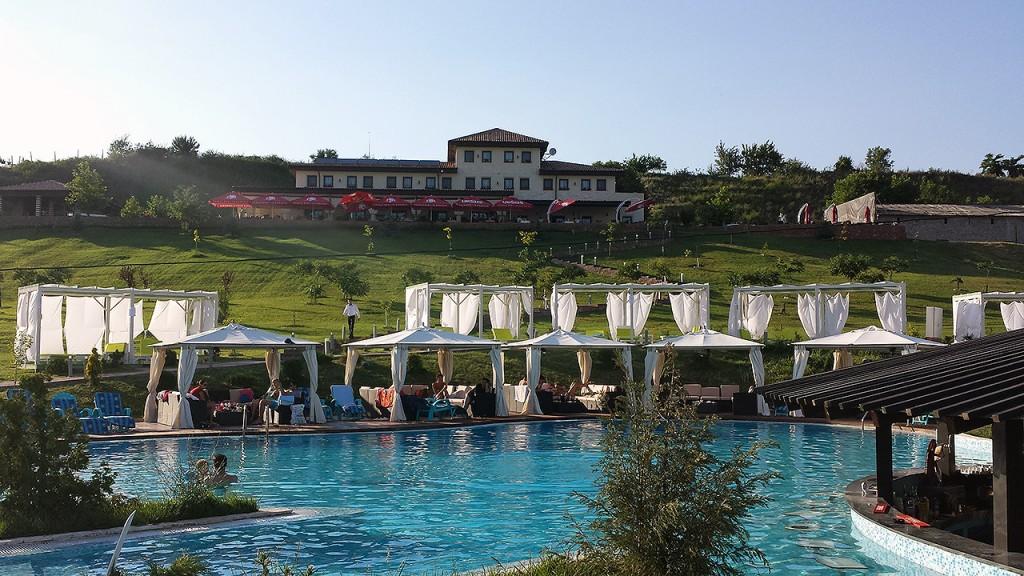 domeniul-greaca-piscina7