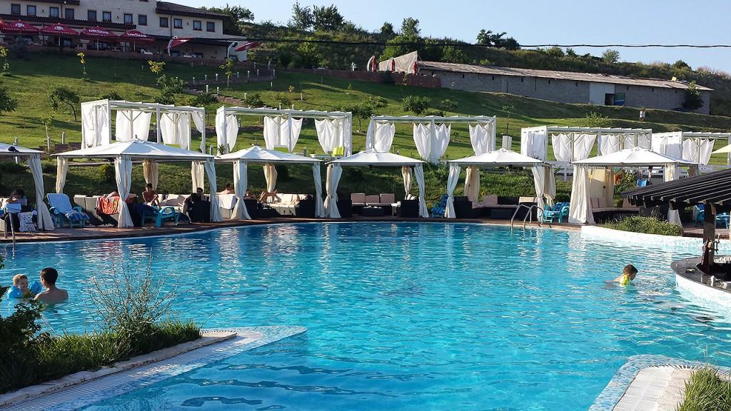domeniul-greaca-piscina8