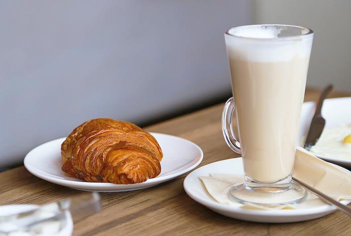 morning-croissant